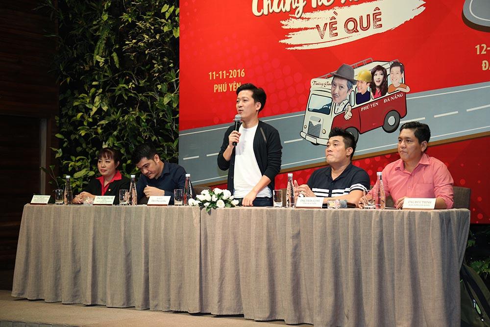 """Trường Giang tri ân khán giả miền Trung với liveshow """"Chàng hề xứ Quảng 2"""" - Ảnh 1"""
