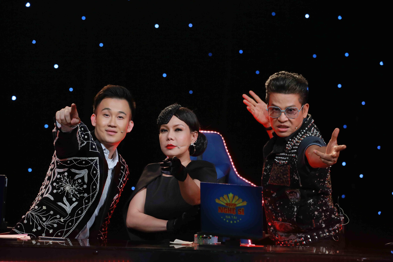 Em gái ruột Hoài Linh về nước hộ tống Dương Triệu Vũ đi làm giám khảo - Ảnh 2