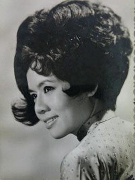 Nhìn lại những hình ảnh thời trẻ của NSƯT Út Bạch Lan - Ảnh 8