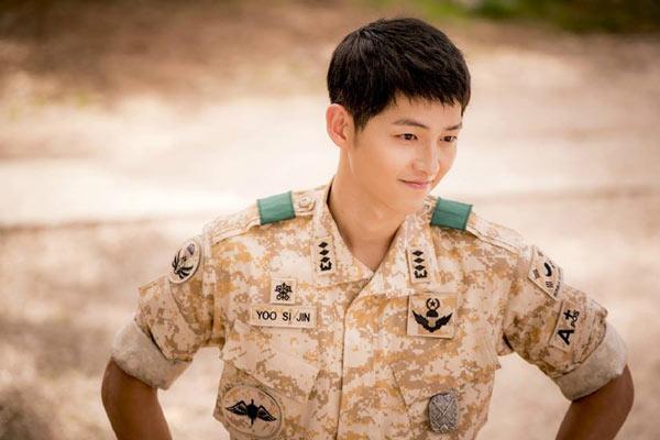 """""""Mọt phim Hàn"""" rộn ràng cả năm vì 5 nam diễn viên điển trai này - Ảnh 1"""