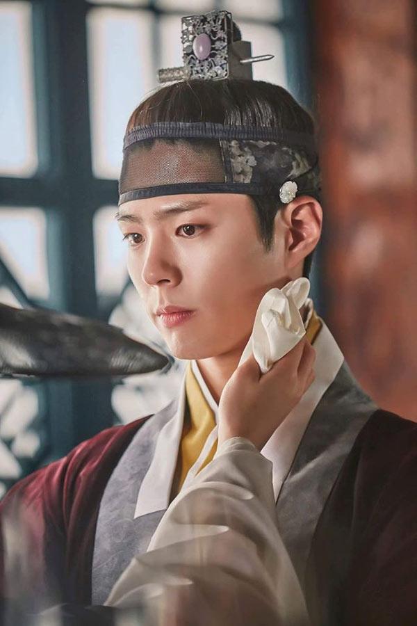 """""""Mọt phim Hàn"""" rộn ràng cả năm vì 5 nam diễn viên điển trai này - Ảnh 2"""