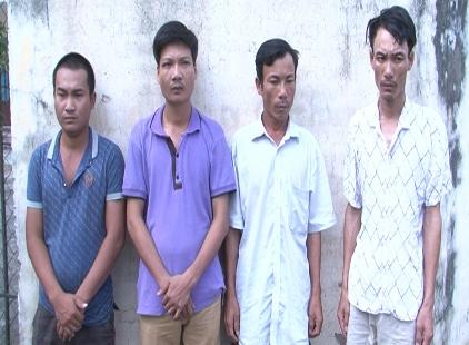 Bắt nhóm đối tượng chuyên cưỡng đoạt tài sản các chủ máy gặt lúa - Ảnh 1