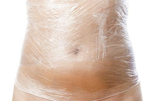 Có nên áp dụng cách giảm mỡ bụng bằng quấn ni lông? - Ảnh 1