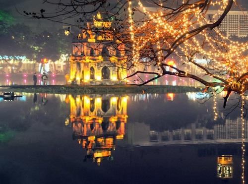 Top 5 địa điểm chụp ảnh Giáng sinh ở Hà Nội đẹp ngất ngây - Ảnh 1