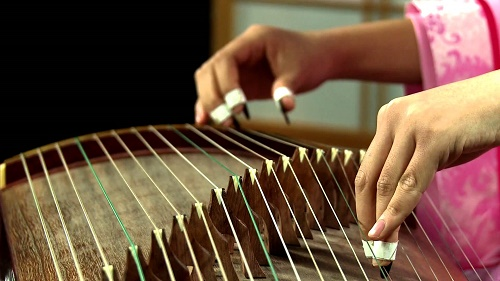 Địa điểm học đàn tranh TPHCM – truyền lửa âm nhạc dân tộc - Ảnh 2