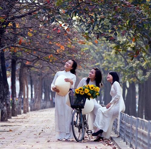 Top 4 địa điểm chụp ảnh áo dài ở Hà Nội cực đẹp - Ảnh 2