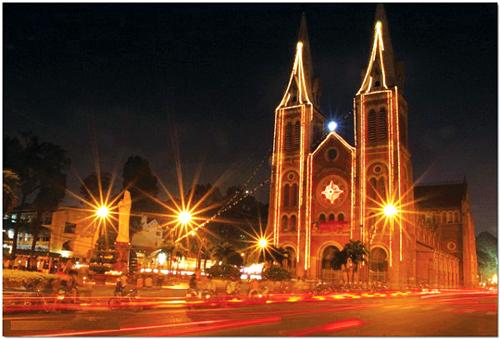 Top 5 địa điểm chơi Noel ở Sài Gòn bạn không nên bỏ lỡ - Ảnh 1