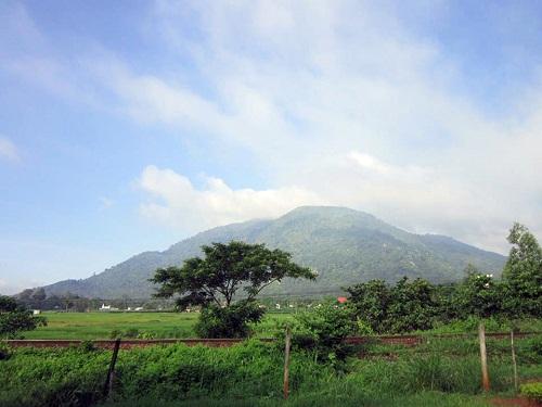 Đổi gió với những địa điểm phượt gần Sài Gòn - Ảnh 7