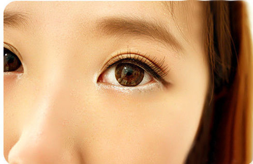 6 cách trang điểm cho đôi mắt to tròn nàng nào cũng nên biết - Ảnh 1