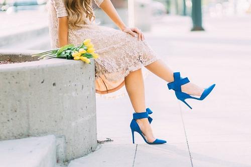 3 lý do giải thích vì sao phụ nữ thích đi giày cao gót? - Ảnh 1