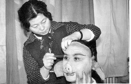 Ngắm những hình ảnh về thời quay phim thiếu thốn của Tây Du Ký 1986 - Ảnh 11