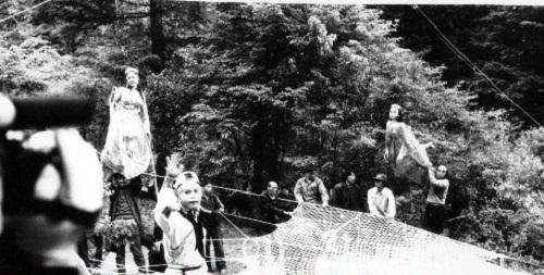 Ngắm những hình ảnh về thời quay phim thiếu thốn của Tây Du Ký 1986 - Ảnh 3