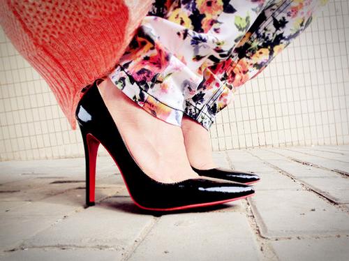 Cách chọn giày cao gót cho người chân to trông thon gọn hơn - Ảnh 2