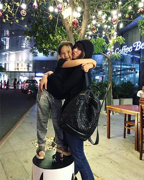 """Cuộc sống đổi khác của 6 hot girl từng """"gây bão"""" làng hot teen Việt - Ảnh 7"""