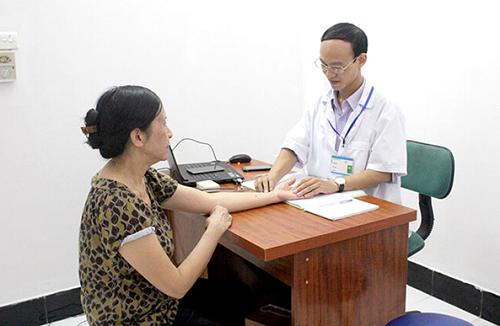 Người dân Hà Nội và miền Bắc mách nhau điều trị đau khớp, thoái hóa cột sống - Ảnh 1