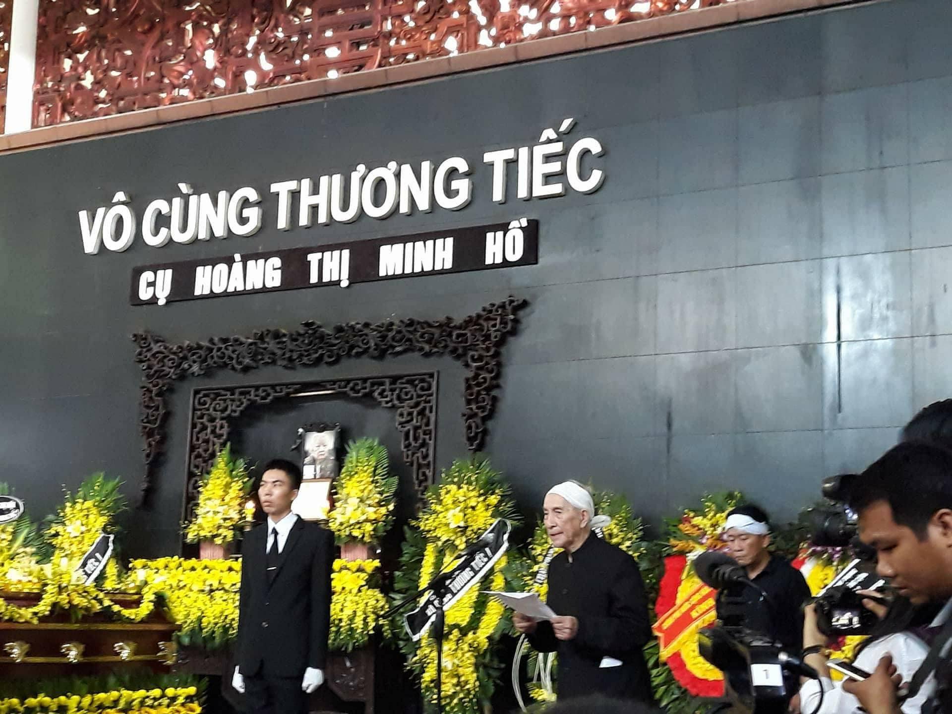 Phó Thủ tướng đến viếng cụ Hoàng Thị Minh Hồ - người hiến 5.000 lượng vàng cho cách mạng - Ảnh 1