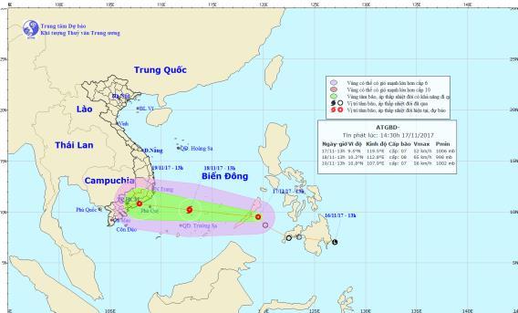 Áp thấp nhiệt đới giật cấp 9 có khả năng mạnh thành bão, áp sát Biển Đông - Ảnh 1