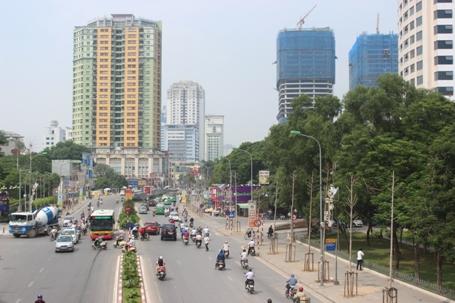 Hà Nội: Sẽ xén dải phân cách mở rộng mặt đường Nguyễn Chí Thanh - Ảnh 1