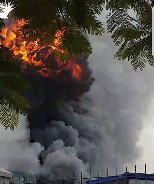 Bắc Ninh: Cháy lớn tại KCN Yên Phong - Ảnh 1