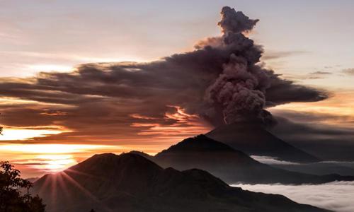 60 người Việt mắc kẹt ở Bali vì núi lửa đã an toàn - Ảnh 1
