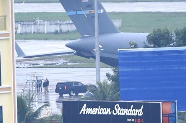 Cận cảnh dàn siêu xe của Tổng thống Trump ở Đà Nẵng - Ảnh 1