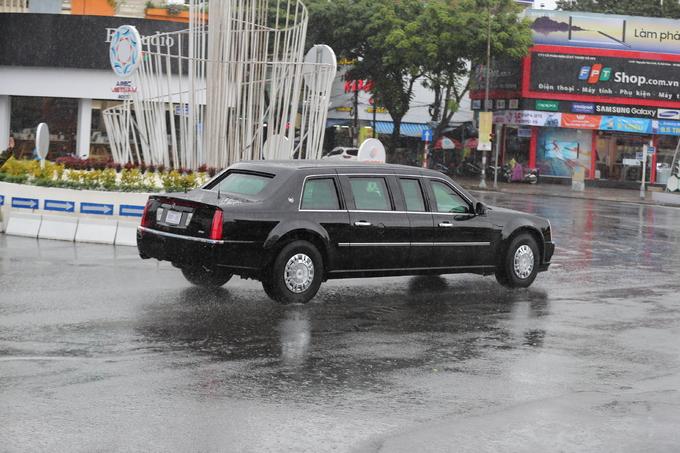 Cận cảnh dàn siêu xe của Tổng thống Trump ở Đà Nẵng - Ảnh 6