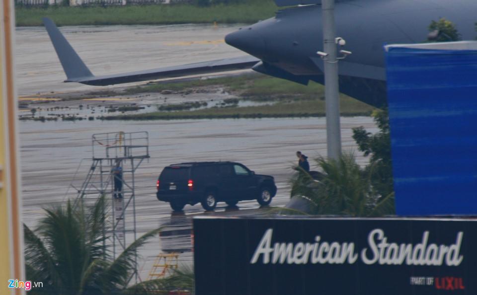 Cận cảnh dàn siêu xe của Tổng thống Trump ở Đà Nẵng - Ảnh 2