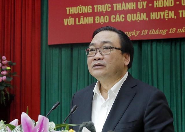 """Bí thư Hà Nội truy trách nhiệm vụ đá vỉa hè """"bền 70 năm"""" vỡ nát - Ảnh 1"""