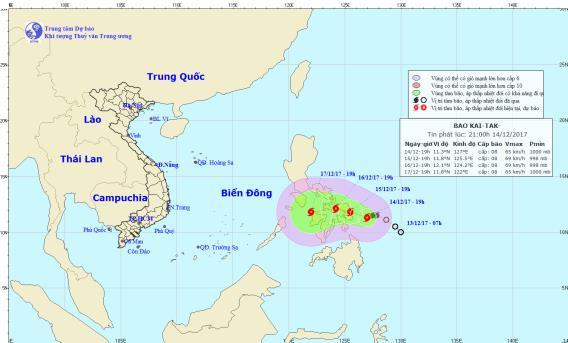 Bão Kai-tak giật cấp 10 áp sát Biển Đông - Ảnh 1