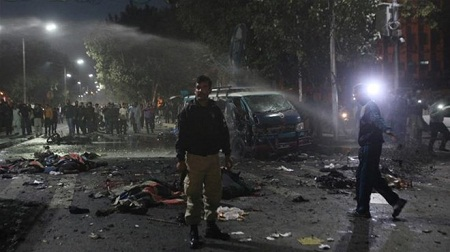 Đánh bom liều chết tại tòa án ở Pakistan, nhiều người chết - Ảnh 1