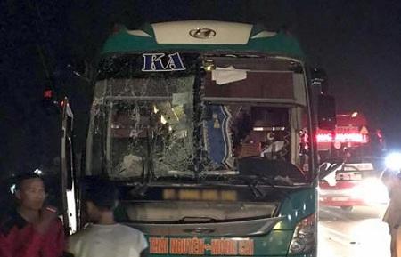 Hiện trường vụ nổ xe khách khiến 2 người chết, 12 bị thương ở Bắc Ninh - Ảnh 2