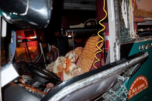 Hiện trường vụ nổ xe khách khiến 2 người chết, 12 bị thương ở Bắc Ninh - Ảnh 5