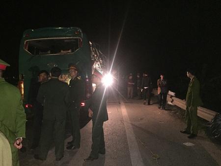 Hiện trường vụ nổ xe khách khiến 2 người chết, 12 bị thương ở Bắc Ninh - Ảnh 10