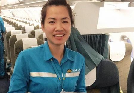 Nữ nhân viên sân bay trả lại gần nửa tỷ đồng cho khách - Ảnh 1