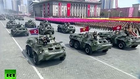Cận cảnh buổi diễu binh lớn nhất lịch sử Triều Tiên - Ảnh 13