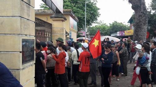 10h30 sáng nay, Chủ tịch Hà Nội đối thoại với người dân Đồng Tâm - Ảnh 2
