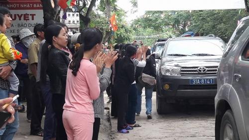 10h30 sáng nay, Chủ tịch Hà Nội đối thoại với người dân Đồng Tâm - Ảnh 4