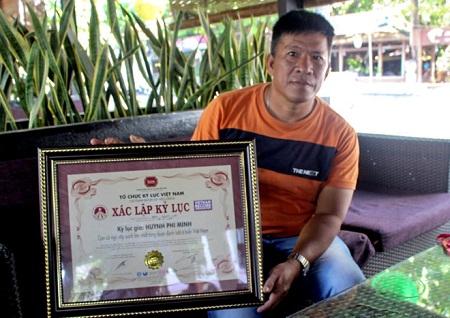 Cá ngừ vây xanh 307 kg đánh bắt ở Hoàng Sa lập kỷ lục Việt Nam - Ảnh 2