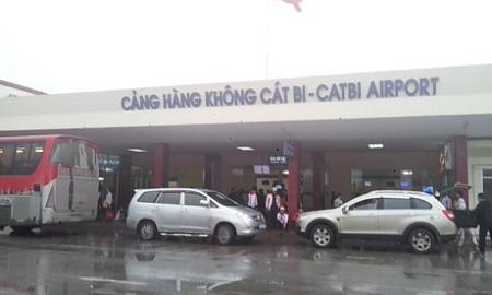 Đường cất hạ cánh sân bay Cát Bi xuống cấp nghiêm trọng - Ảnh 1