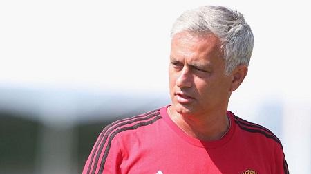 Chuyển nhượng 26/7: Mourinho tiết lộ 2 cầu thủ cần mua - Ảnh 1