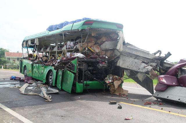 Phó Thủ tướng yêu cầu làm rõ vụ tai nạn 5 người chết ở Bình Định - Ảnh 1