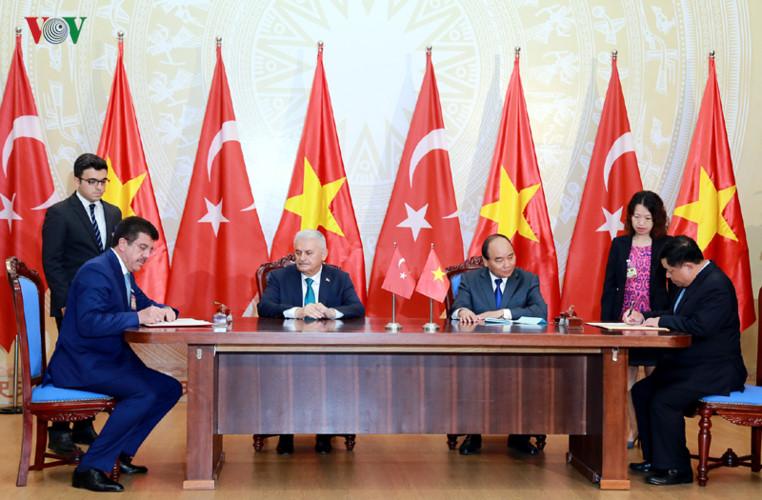 Hình ảnh lễ đón Thủ tướng Thổ Nhĩ Kỳ thăm chính thức Việt Nam - Ảnh 14