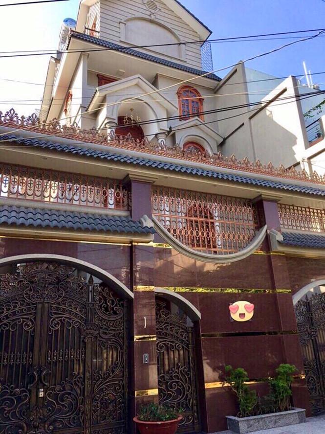 Cận cảnh biệt thự được rao bán 55 tỷ đồng ở Sài Gòn - Ảnh 1