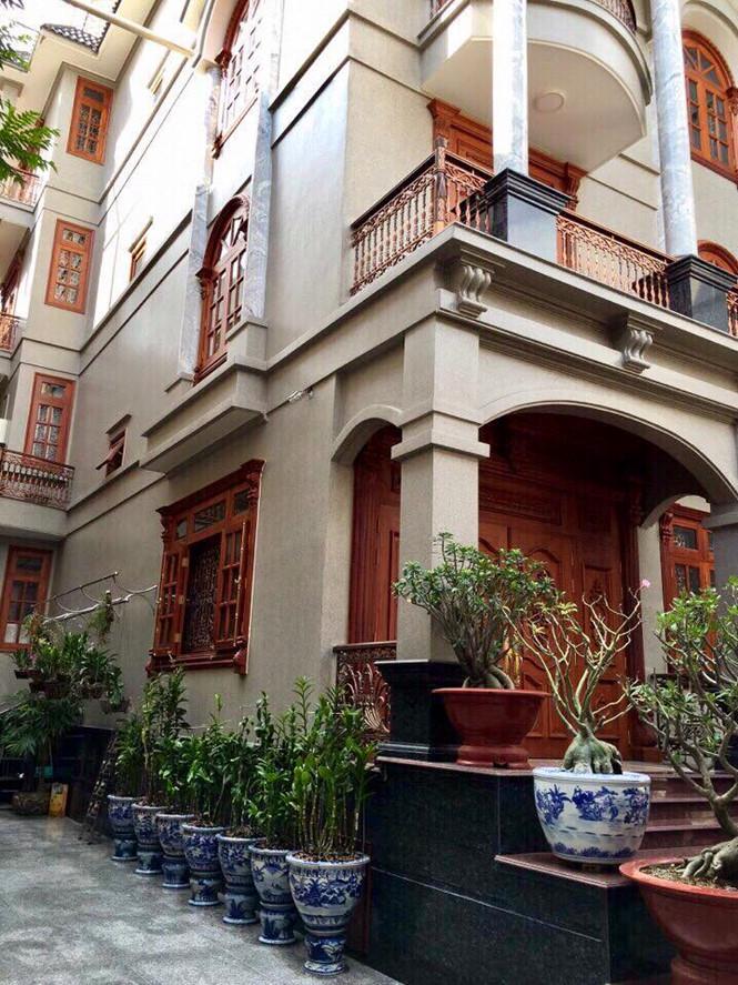 Cận cảnh biệt thự được rao bán 55 tỷ đồng ở Sài Gòn - Ảnh 3