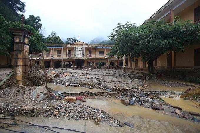 Thủ tướng chỉ đạo tìm kiếm người mất tích trong mưa lũ - Ảnh 1