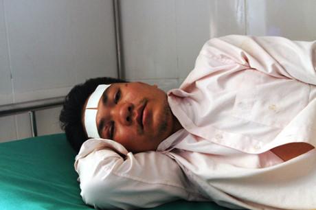 Lũ quét 14 người chết, mất tích ở Yên Bái: Người đàn ông gào khóc tìm vợ con - Ảnh 1