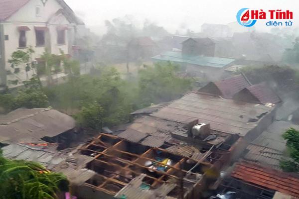 Bão số 10 quật ngã tháp truyền hình cao 100 m ở Hà Tĩnh - Ảnh 4