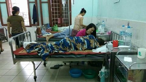 Tin tức mới nhất vụ cô giáo nghi uống thuốc ngủ vì bị chuyển trường - Ảnh 1