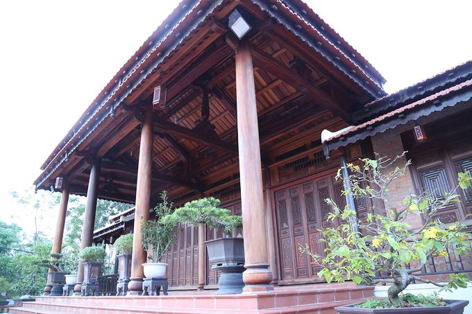 Choáng trước căn nhà 80m3 gỗ quý của Chi cục trưởng kiểm lâm Quảng Trị - Ảnh 3