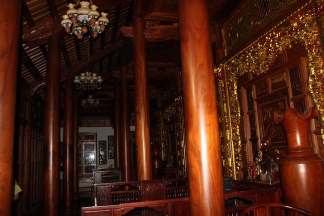 Choáng trước căn nhà 80m3 gỗ quý của Chi cục trưởng kiểm lâm Quảng Trị - Ảnh 4